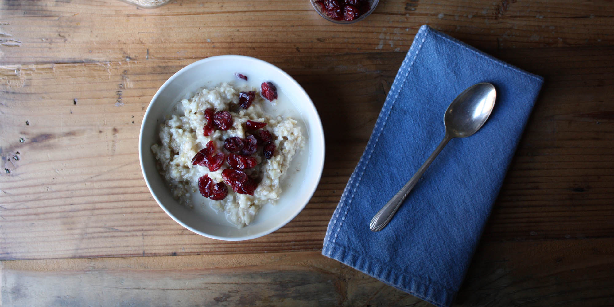 Oatmeal with Cranberries and Cardamom