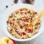 Oatmeal with Apples, Cinnamon, and Pecan