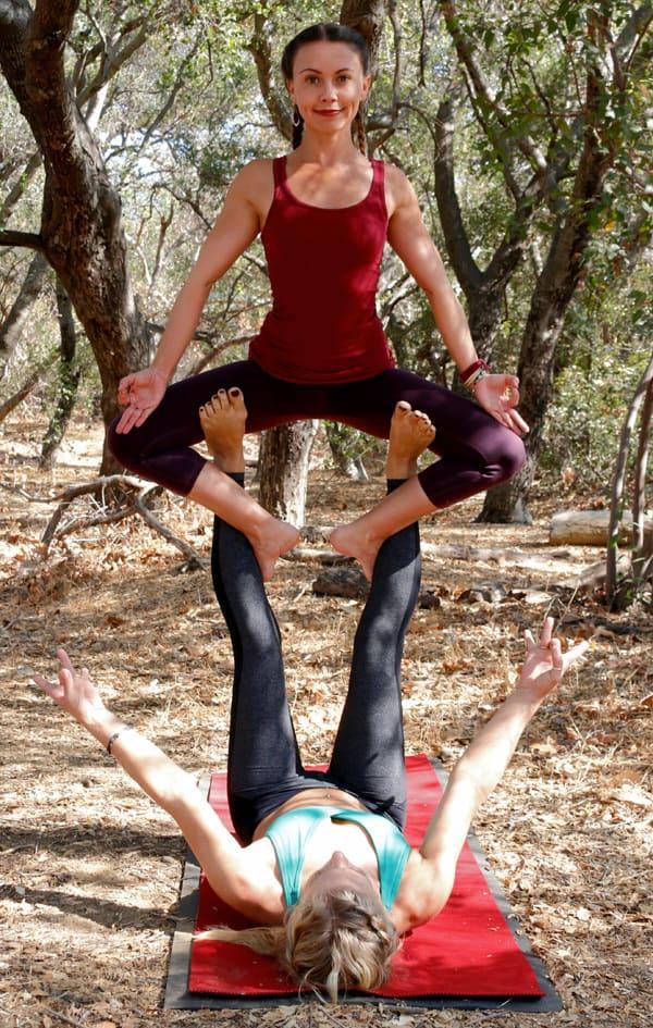 acro yoga pose- straddle throne