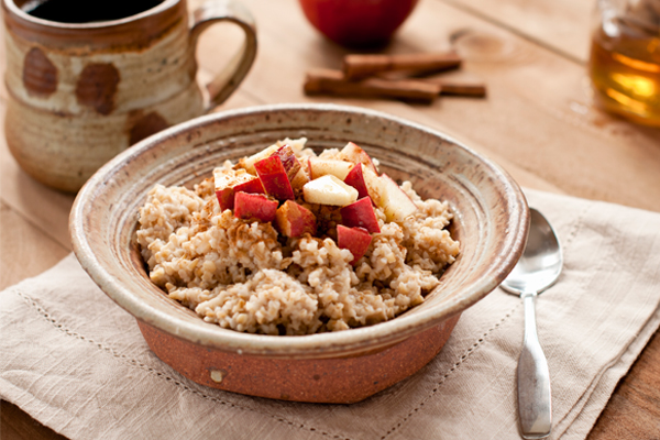 Slow-Cooked-Steel-Cut-Oats-with-Apples-and-Cinnamon