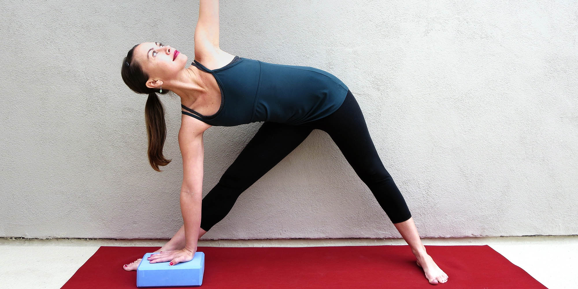 37 Yoga Moves for Stronger Knees  Openfit