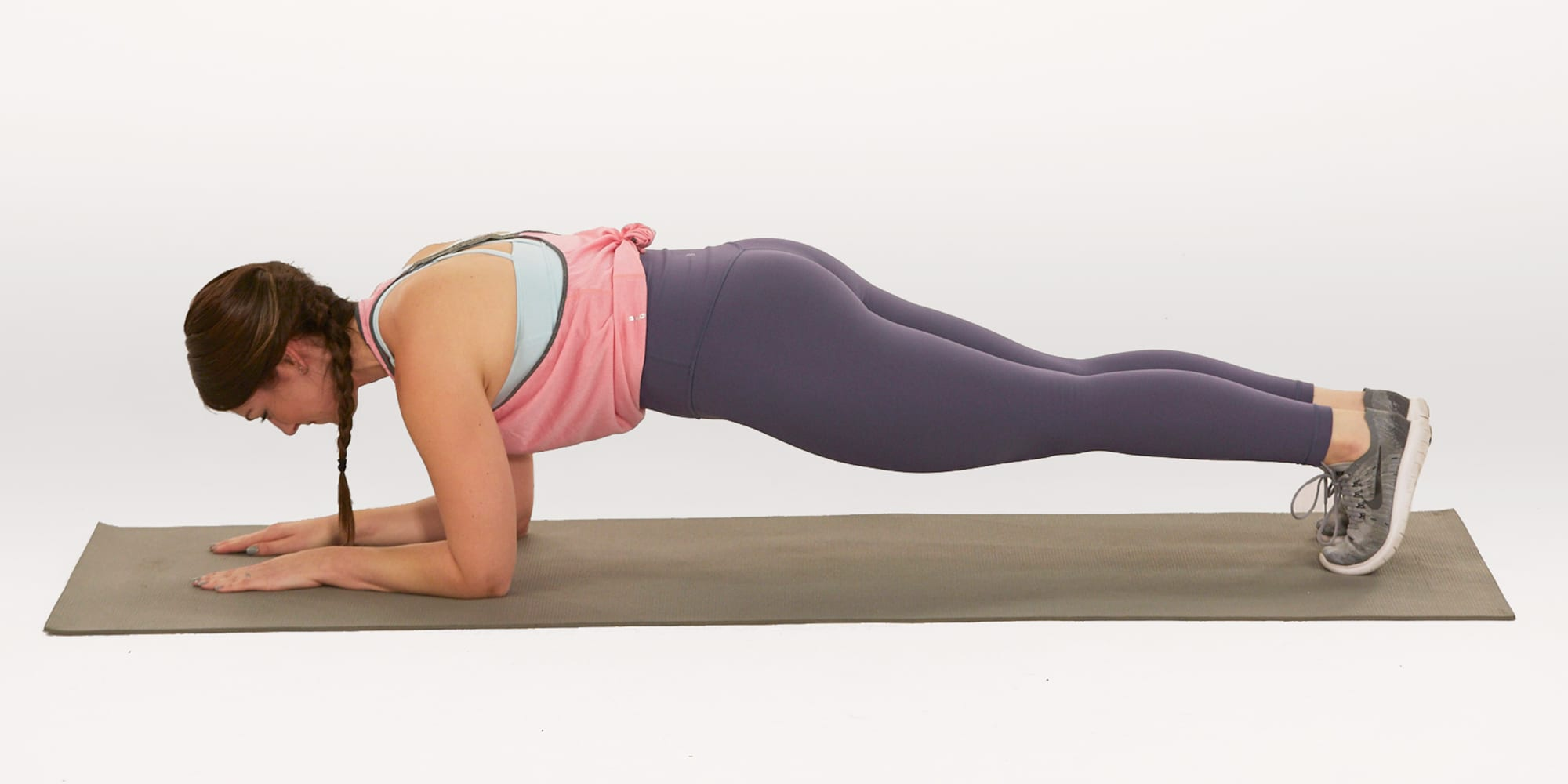 how to do a plank | woman | forearm