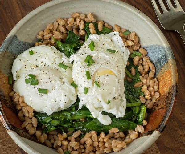 healthy poached egg breakfast