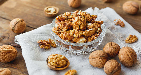 Foods-That-May-Improve-Your-Memory-Walnuts