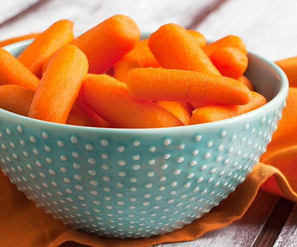 Healthy Snacks for Work Under 200 Calories - Baby Carrots