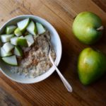 Oatmeal with Pears and Cinnamon