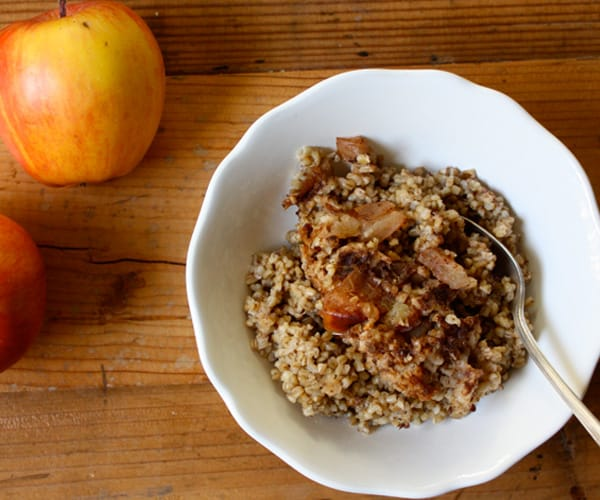 Slow Cooked Steel-Cut Oats with Apples and Cinnamon