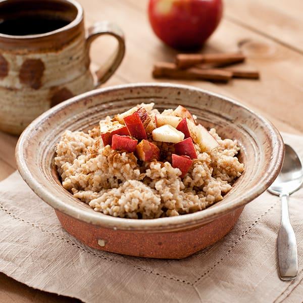 15 Healthy Breakfasts - Slow Cooker Steel Cut Apple Cinnamon Oatmeal