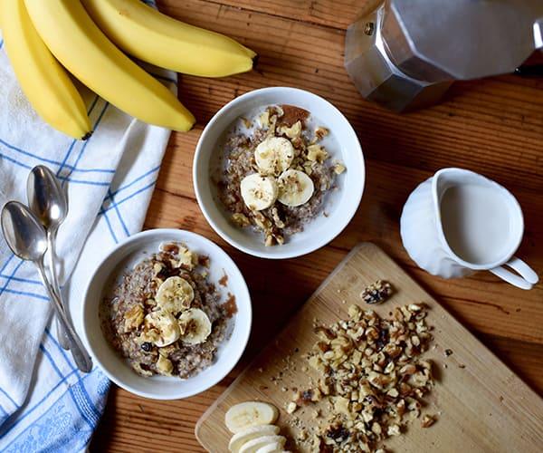 Easy Slow Cooker Recipes: Slow Cooker Banana Bread Oatmeal