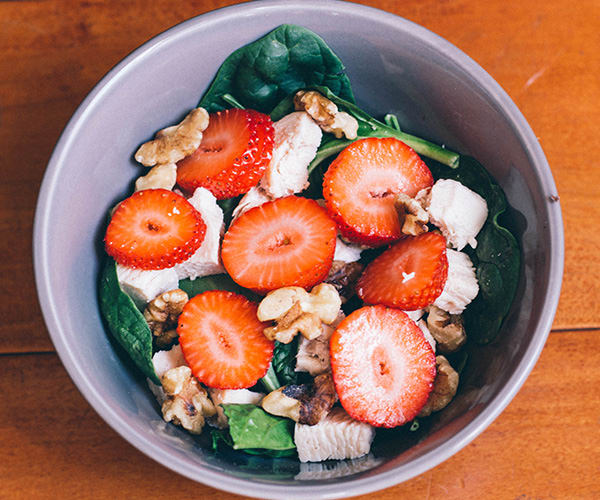 Spinach Salad with Strawberries and Walnuts Recipe