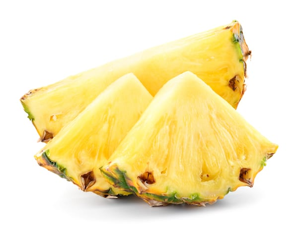 pineapple nutrition - pineapple slices