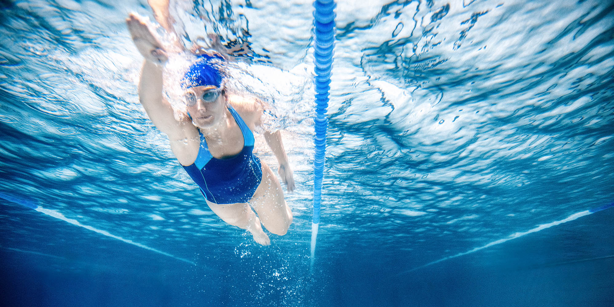 4 swimming workouts for beginners and athletes | openfit