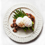 4 ingredient meals - poached eggs and asparagus