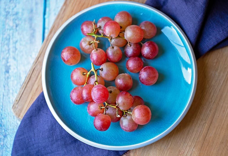 100 Calories of Grapes