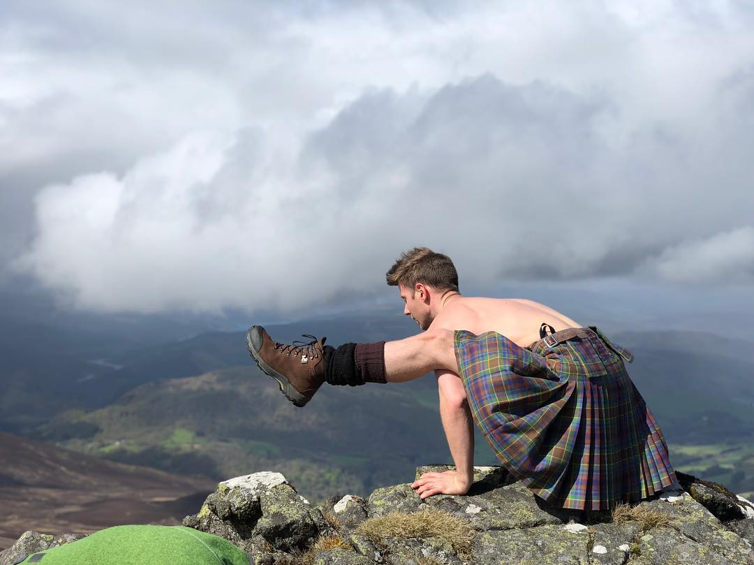 finlay wilson kilted yoga firefly pose