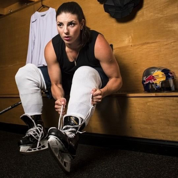 hilary knight - Les Canadiennes