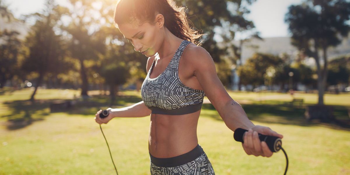 workout routine not working - woman jumping rope
