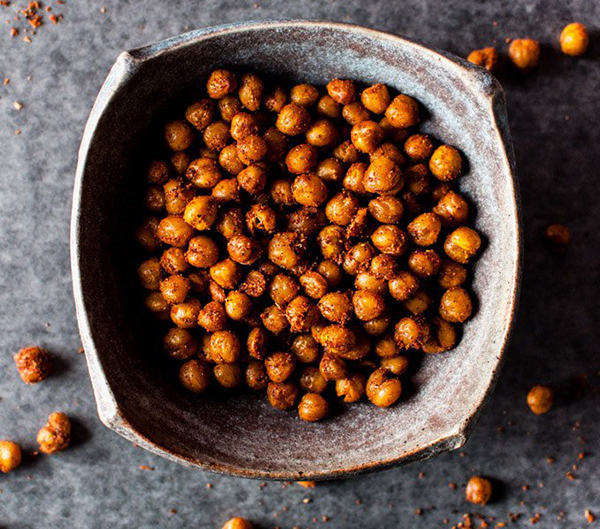 protein snacks- roasted chickpeas