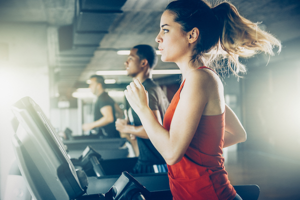 cardio for beginners- woman on treadmill