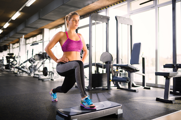 cardio for beginners - woman in lunge