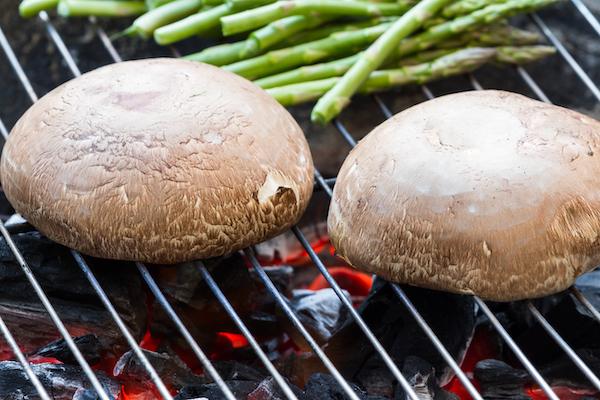 low-carb-bun-substitutes-grilled-portabellos