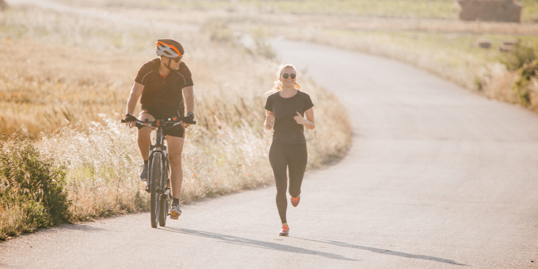 workout social distancing - biking and running