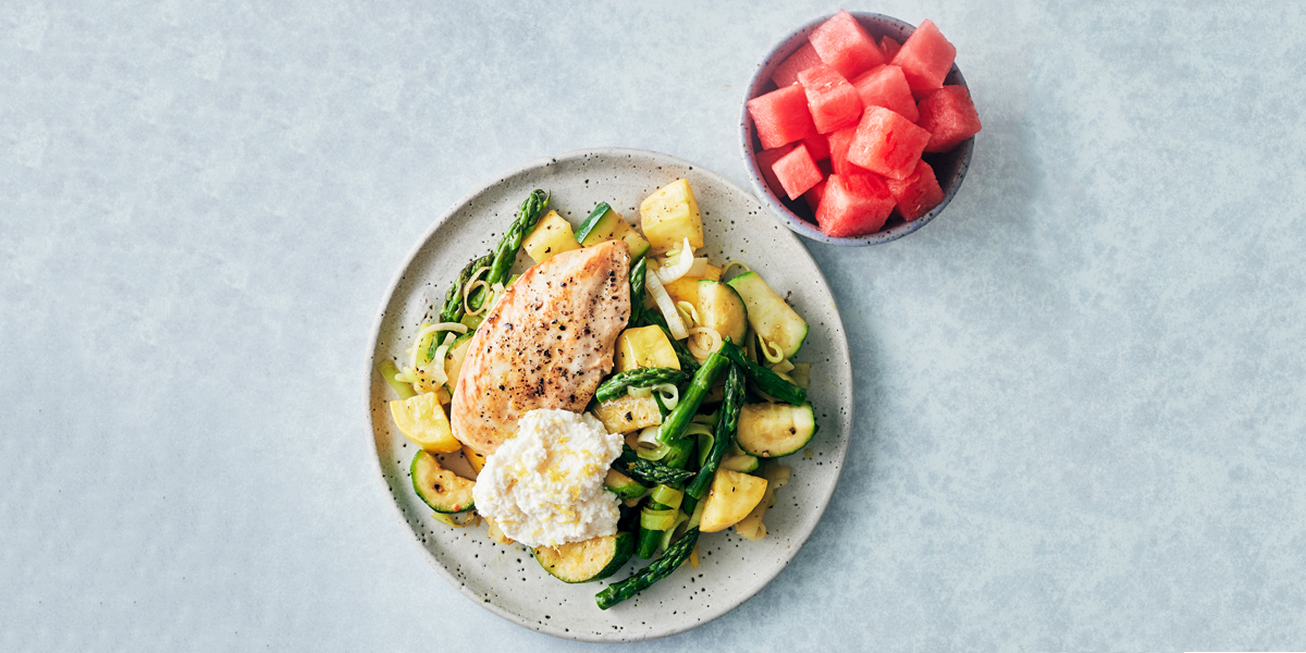 Freshen Up Your Dinner Routine With This Recipe for Chicken and Vegetables with Ricotta