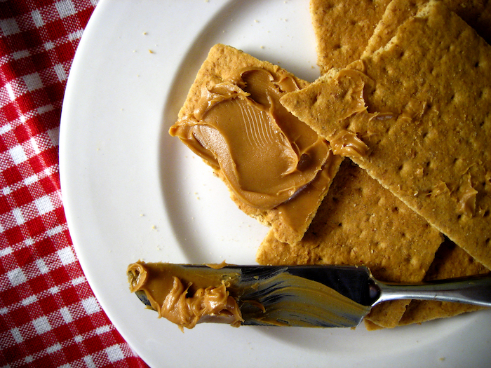 peanut butter crackers- no sugar snacks