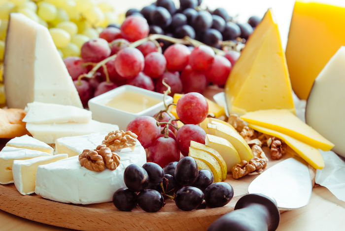 diet mistakes- cheese and fruit