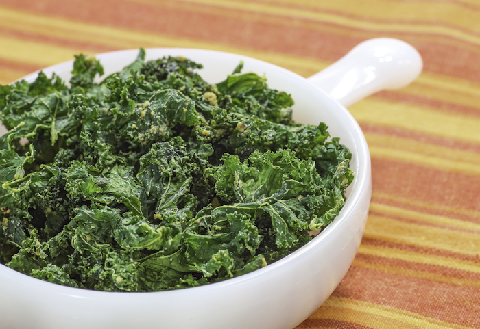 nutritional yeast uses- kale chips