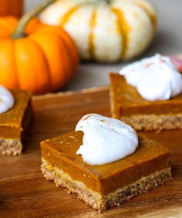 plant based thanksgiving recipes- pumpkin bars