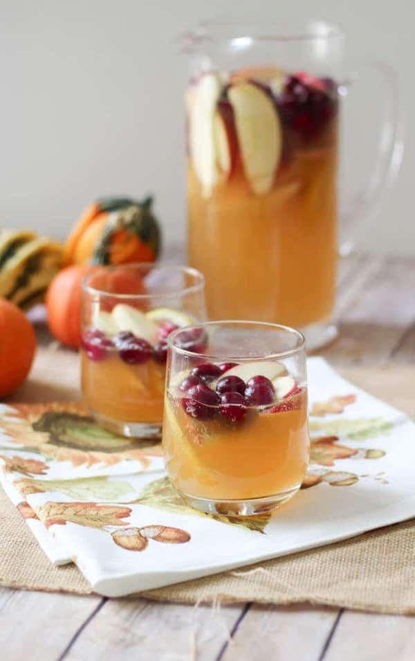 healthier holiday cocktails- apple cranberry kombucha