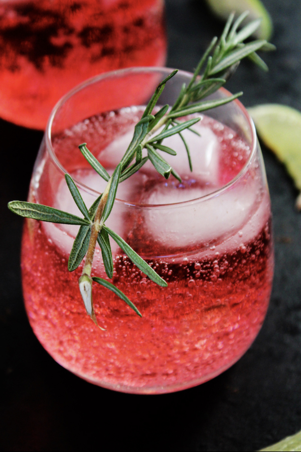 healthier holiday cocktails- cranberry lime cocktail
