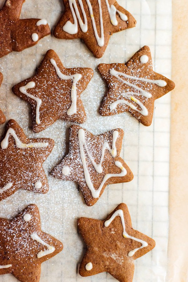 healthy christmas cookies- gingerbread cookies