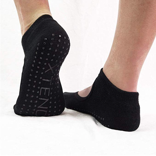 barre gift guide- xtend barre grip socks