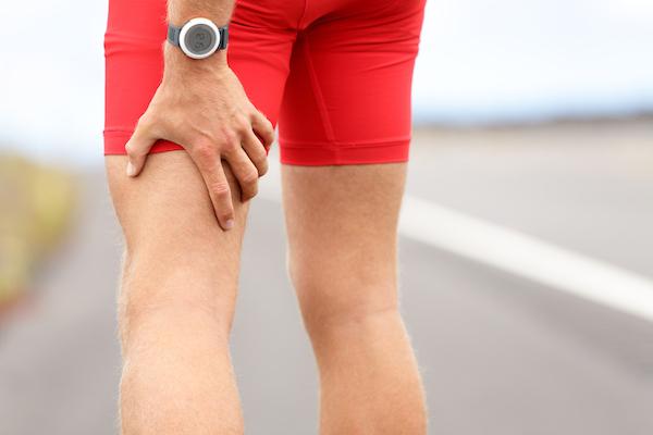 sore hamstrings- man with pain in leg