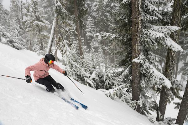 skiing vs snowboarding- skiing