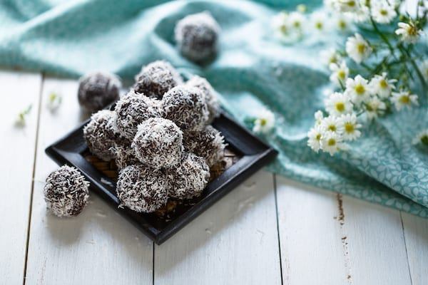healthy valentine's day treats- healthy chocolate options