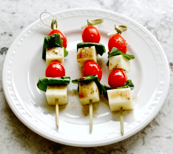easy healthy snacks - caprese bites