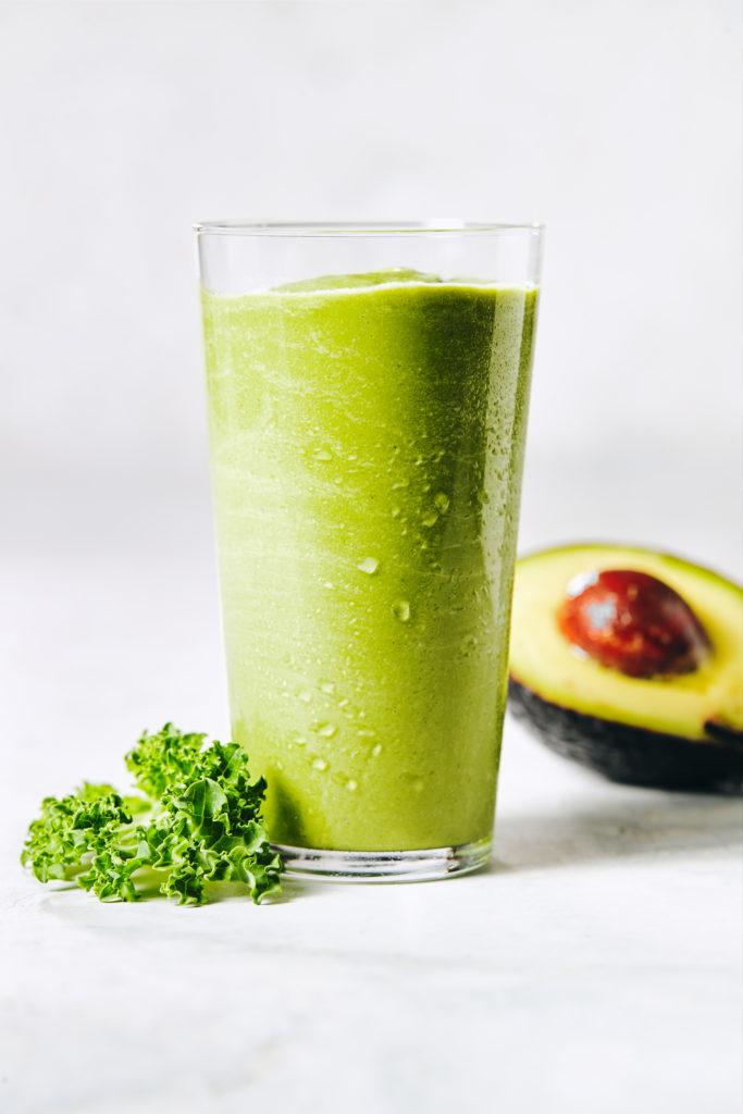 chocolate green shake | healthy st patricks day desserts