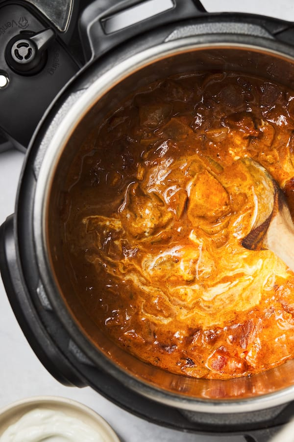 instant pot tikka masala - chicken in instant pot