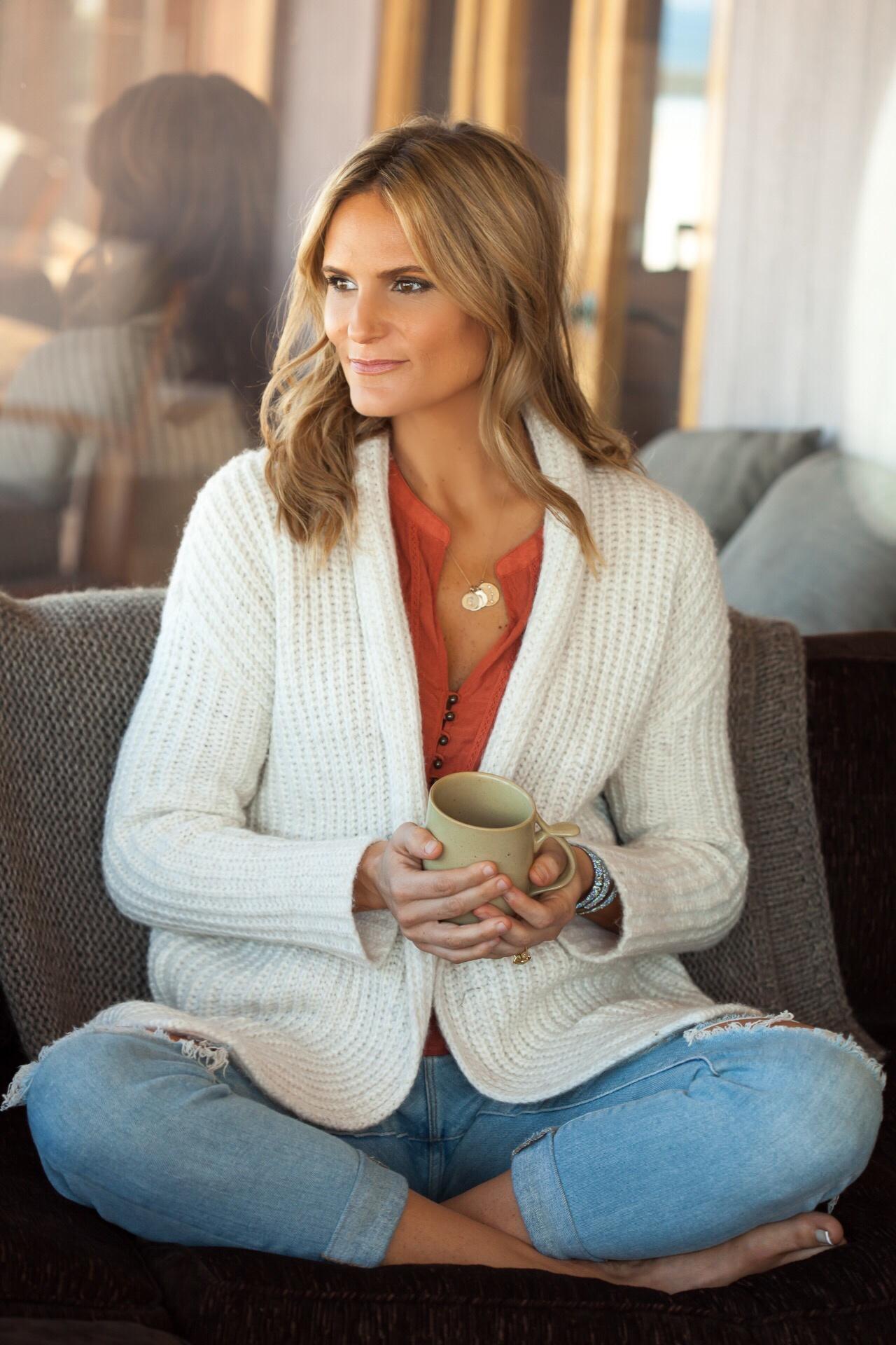 sugar free 3 expert - sitting drinking tea