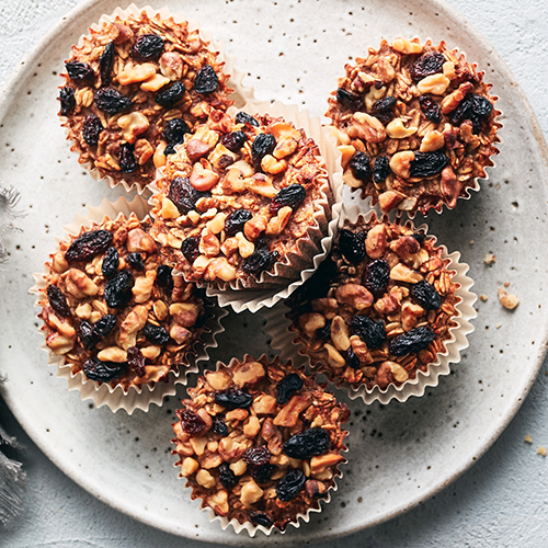 baked oatmeal cups with raisins and walnuts | healthy fall recipes