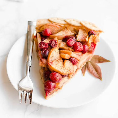 slice of cranberry apple pie | cranberry thanksgiving