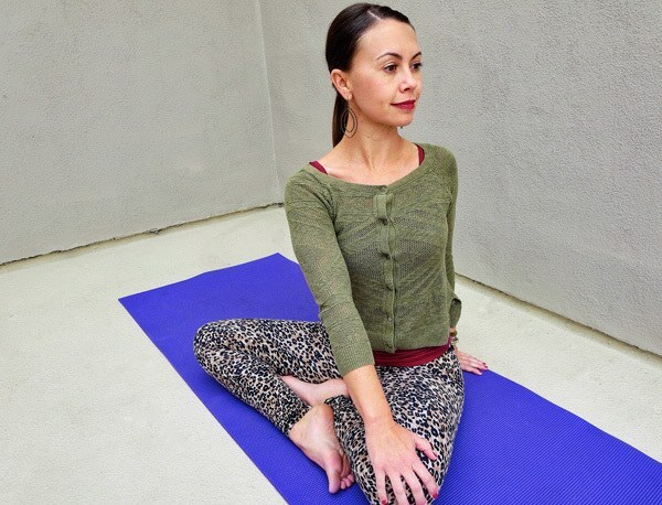 spinal twist demonstration | yoga to reduce stress