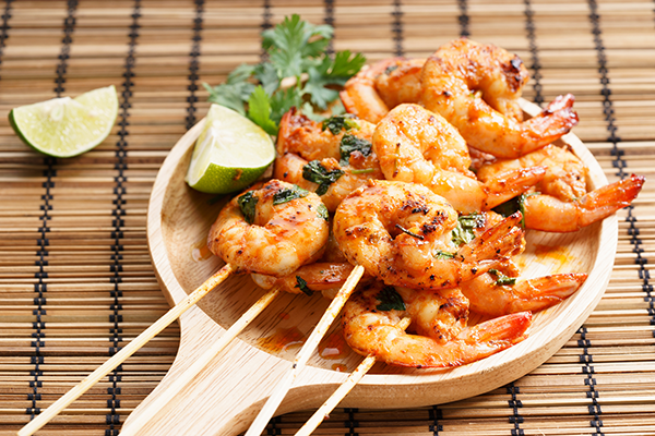 cooked shrimp on plate | how to cook shrimp