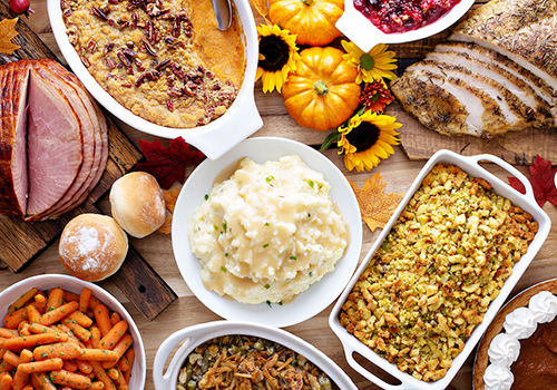 thanksgiving food spread | thanksgiving guide