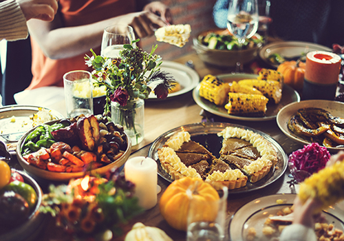 table of thanksgiving food | thanksgiving guide