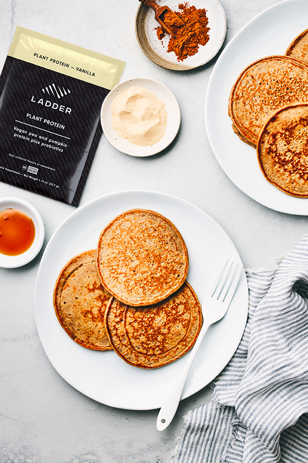 gingerbread protein pancakes - ladder plant protein