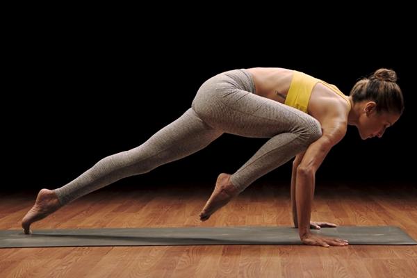 micki upper body balance | yoga challenge